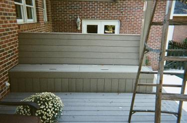 23-composite-deck-built-in-bench