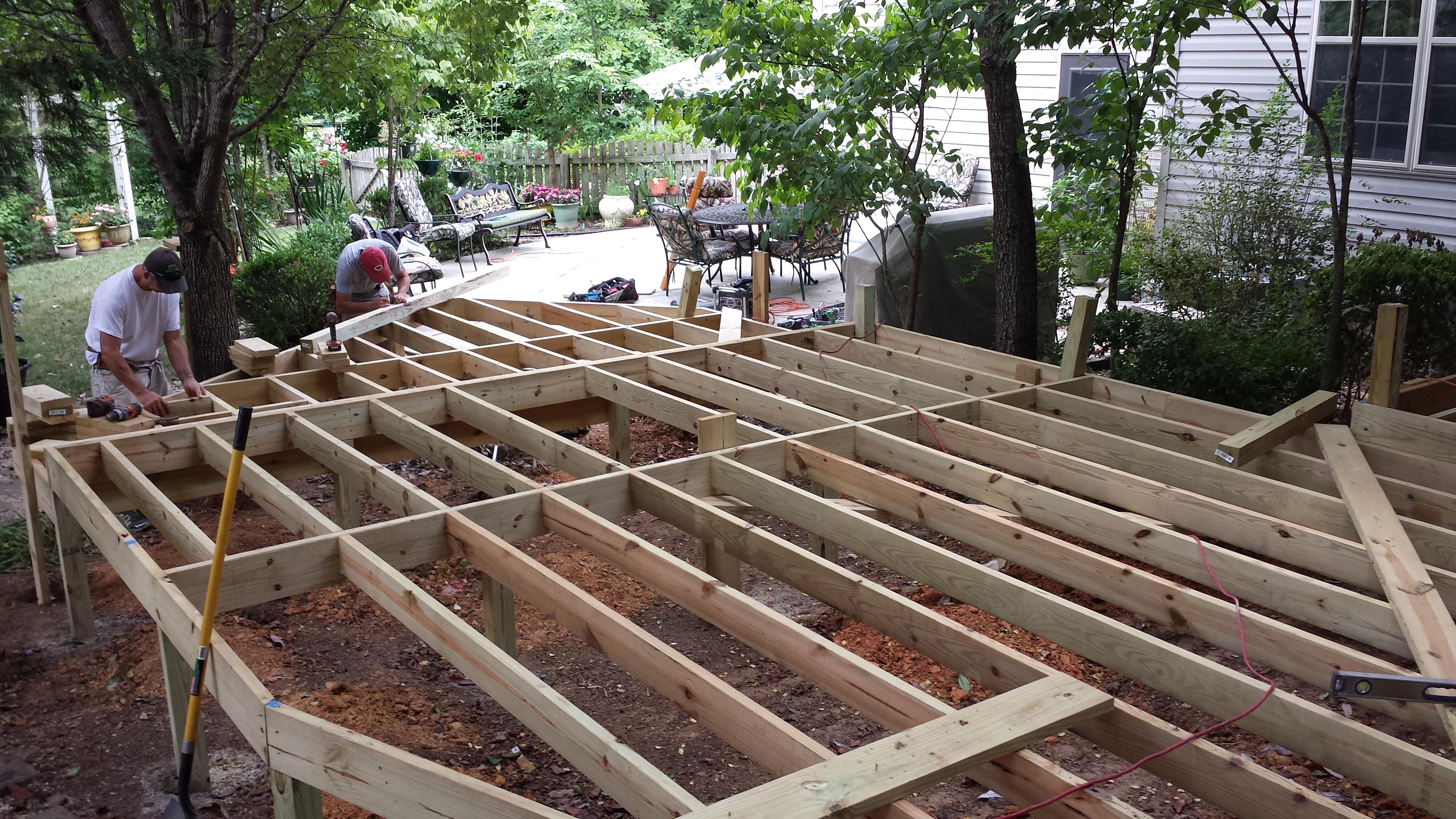 charles-installing-floor-joist – The Deck Builder