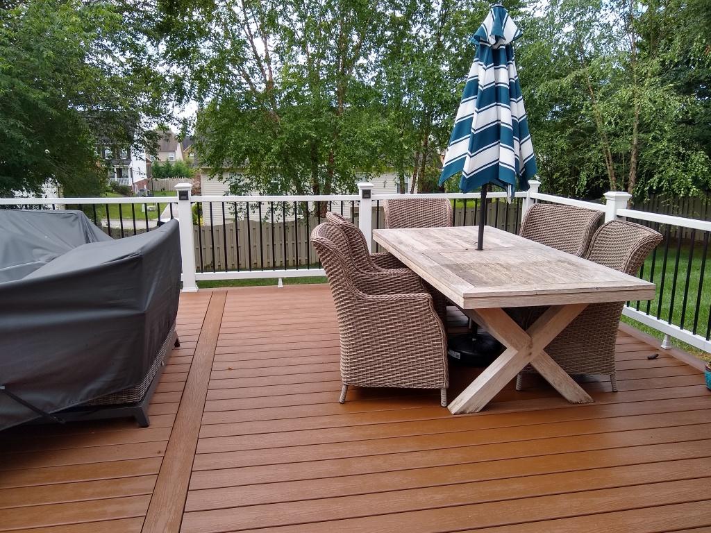 Deck builder finished the deck