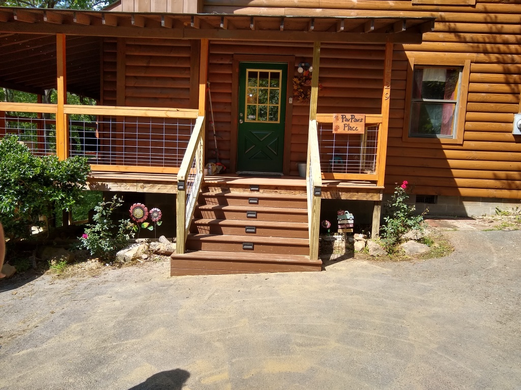 Deck porch builders in sevierville tn built this deck for teri.