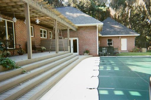 A composite deck in Tazewell tn
