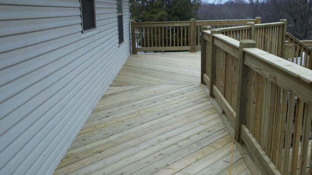 Decking patterns ran at a 45 degree angle